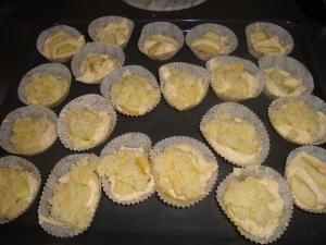 Äppelmuffins m kokostopping (3)