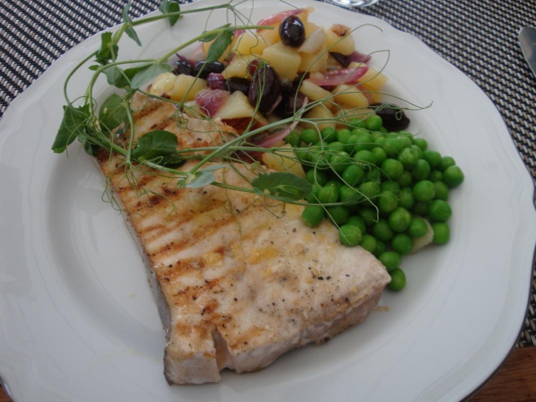Halstrad svärdfisk med varmpotatissallad