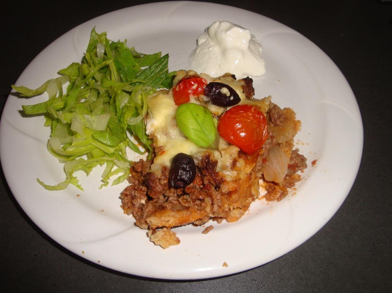 Köttfärspaj med fetaost och oliver