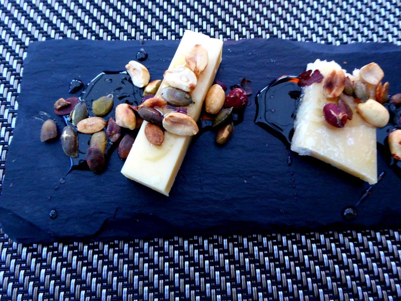 Ost med flädersirap och nötter (2)