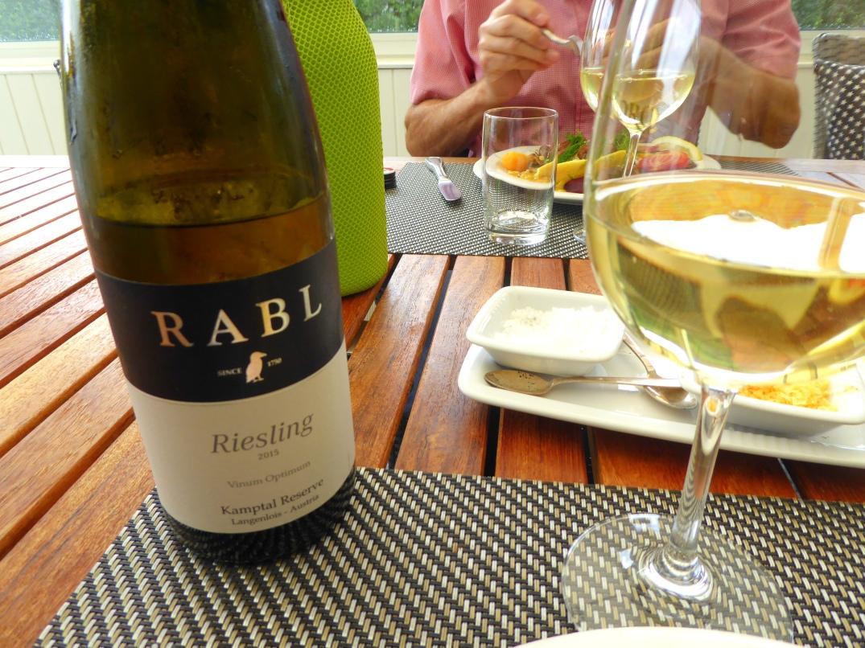 Vin till koljafile med betsallad